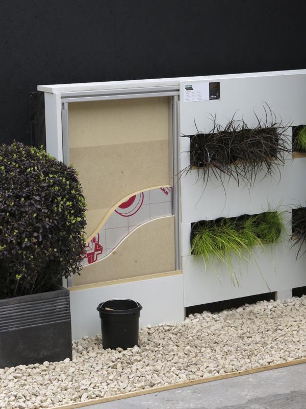 Vertical garden design for Garden design troller